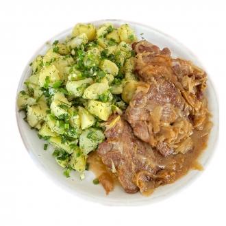Свинина с картофелем и зеленью